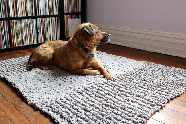 Knit rug throw