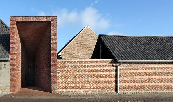 Brick Facade Rabbit Residence By Lens Ass Architecten