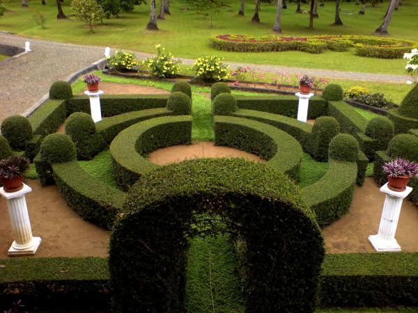 Ten inspiring garden design ideas for Latest garden design