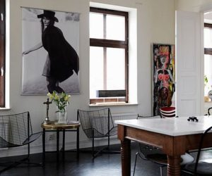 Chic apartment in Sweden wit black accents