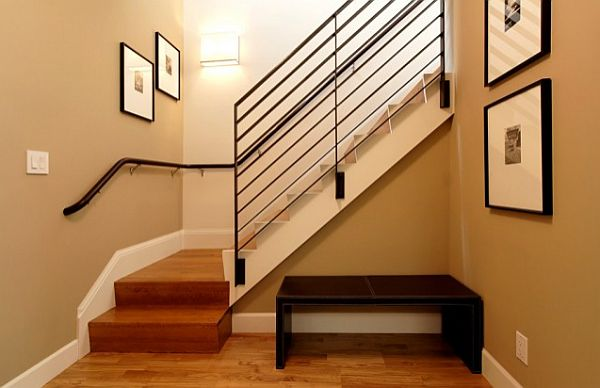 Remodel Ordinary Wall Into Nice Wall Gallery Art: 5 Ideas To Decorate The Home Staircase