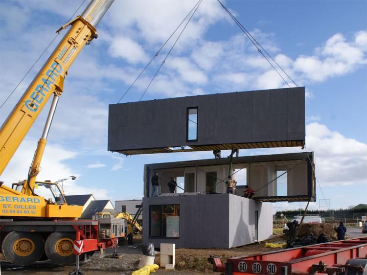 Eco-Friendly Crossbox House by CG Architectes Building