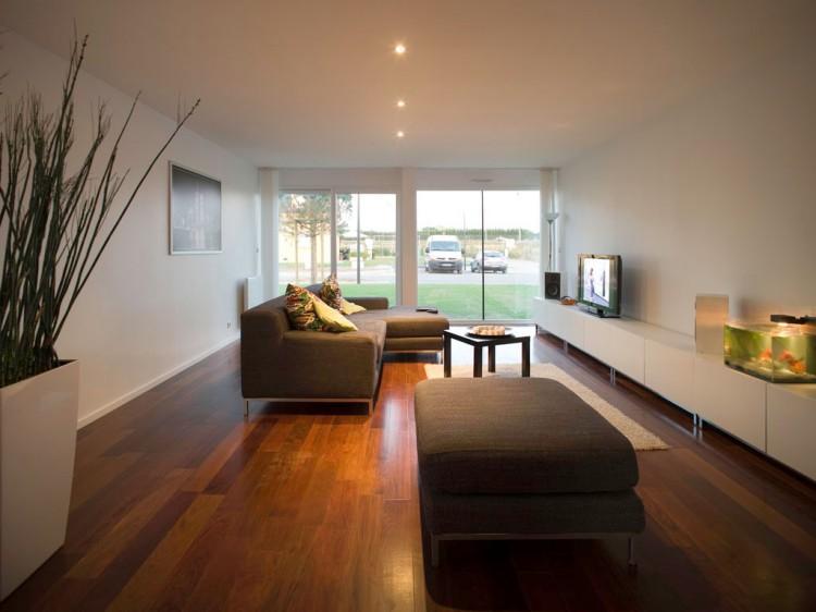 Eco-Friendly Crossbox House by CG Architectes Living Room