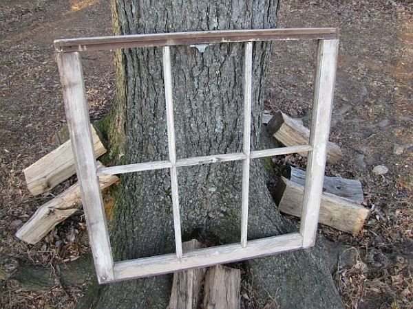 Empty-Old-Window-Frame