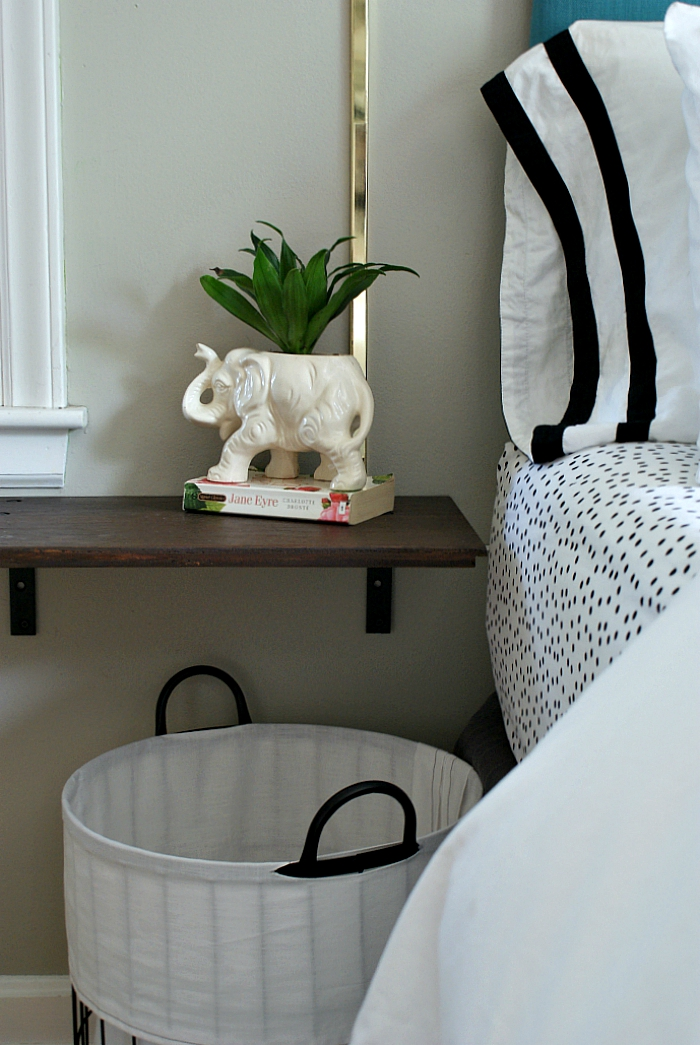 Floating night stand with brackets