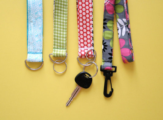 Top 15 DIY Key Holders & Racks For Your Home