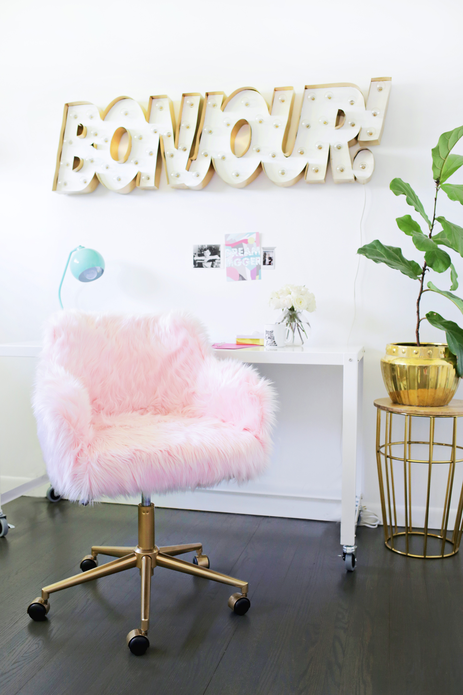 Office chair makeover with a gold base
