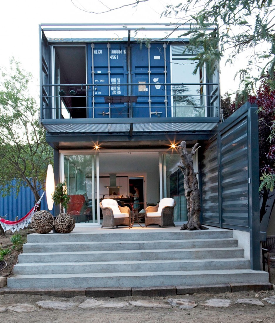 Shipping Container House in El Tiemblo Porch