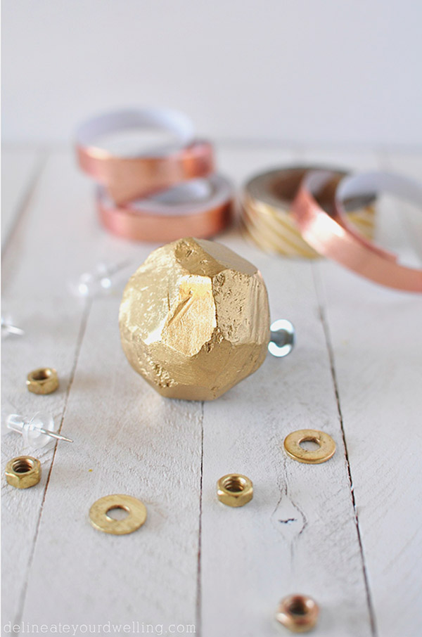 Simple geometric clay gold knobs