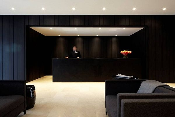 The black interior burbury hotel by katon redgen mathieson for Interior house designs black and white