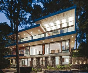 Contemporary forest residence in Guatemala