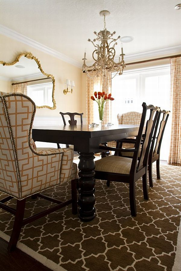21 dining room design ideas for your home for Formal dining table decorating ideas