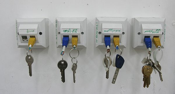 Top 15 diy key holders racks for your home view in gallery solutioingenieria Gallery