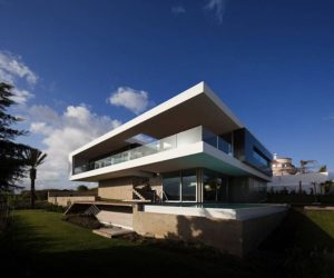 Ocean view house in Lagos, Portugal