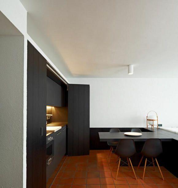 Minimalist Home Interior: Spanish Minimalism Interior Design With A Beautiful Fireplace
