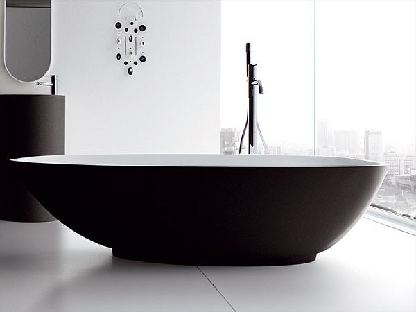 Delightful Oval Free Standing Bathtub Design