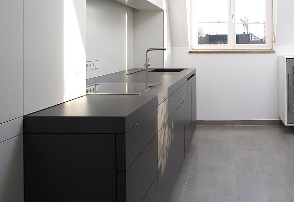 Modern black kitchen furniture from Holzrausch