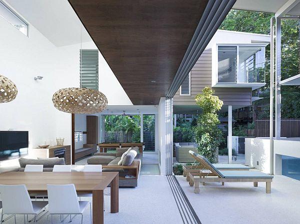 Modern Beach Pool House In Australia