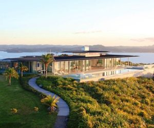 Rahimoana Villa that offers 360° views of the landscape