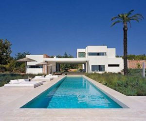 Bright residence in Ibiza by Jaime Serra