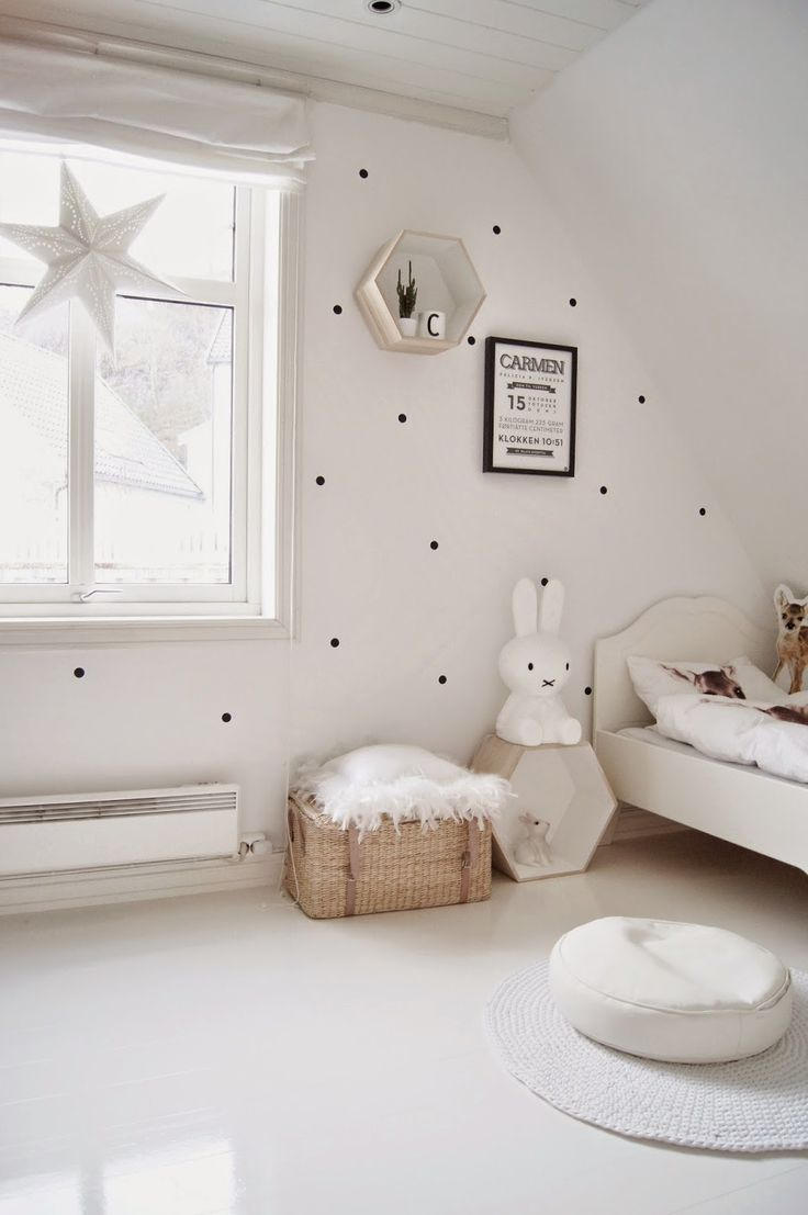 Another kids room with polka dots