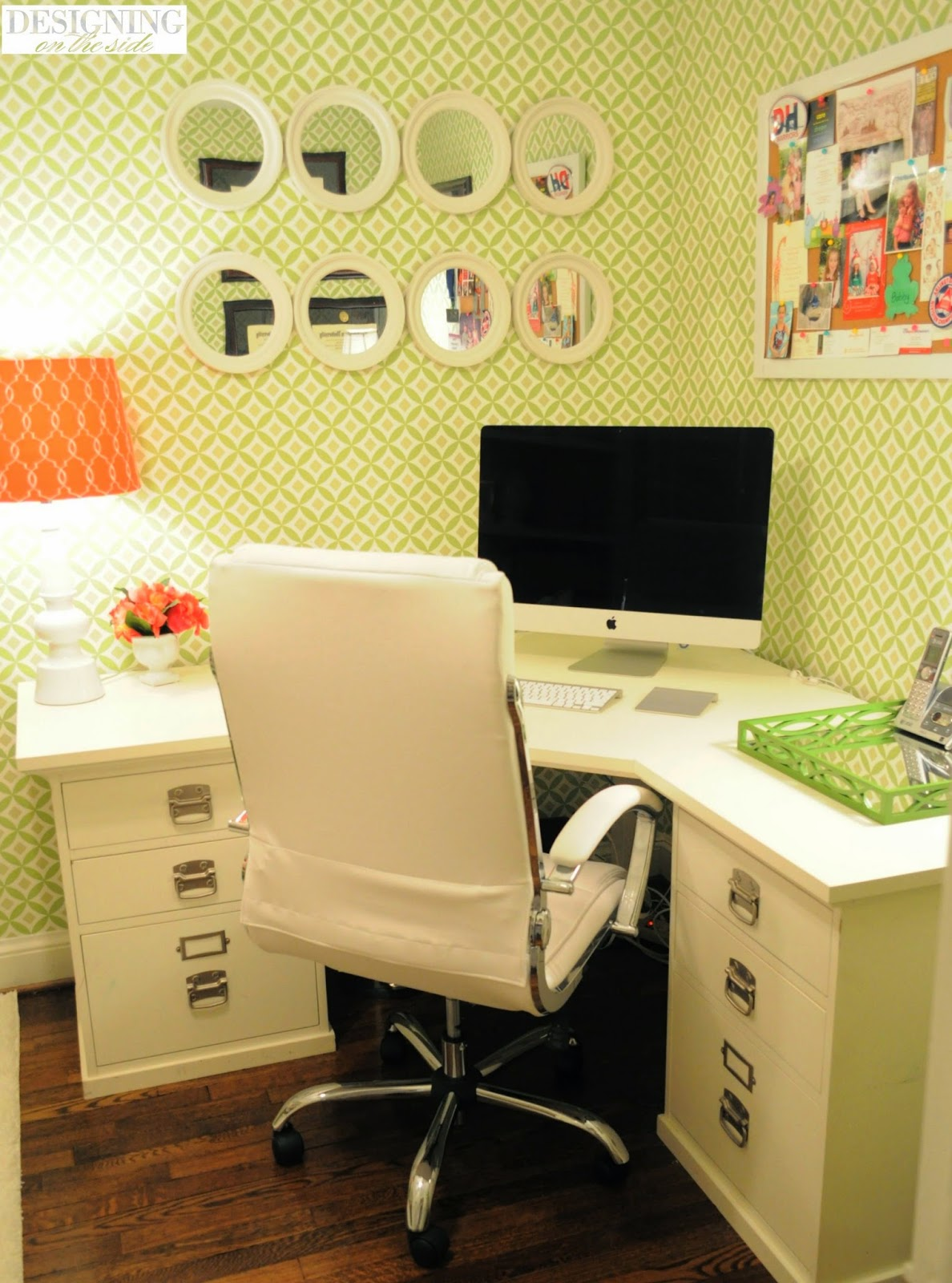 Corner office design with a green touch