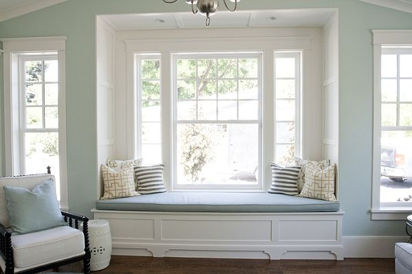 5 ways to decorate your bay window for Bay window shaped desk