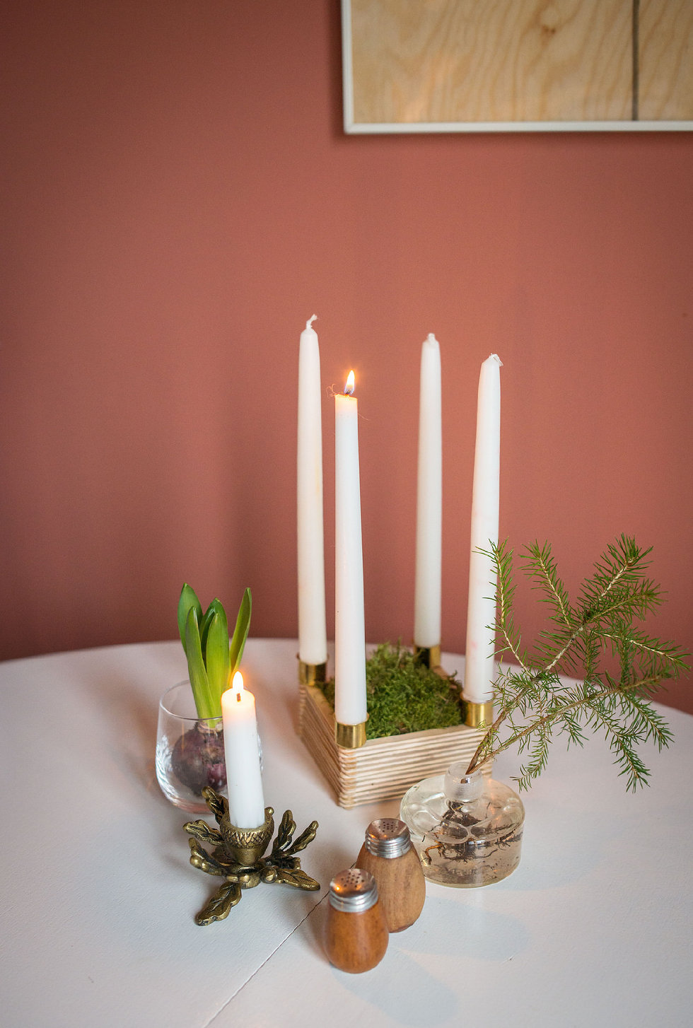 Modern candle support