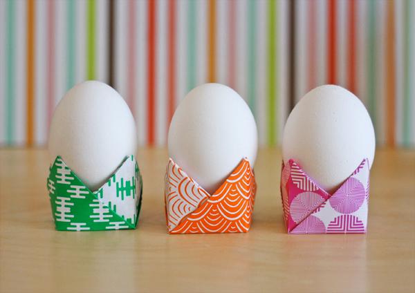 Origami egg holder