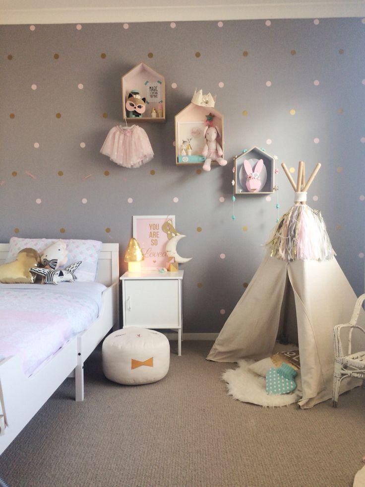Polka dots for teenage girl room