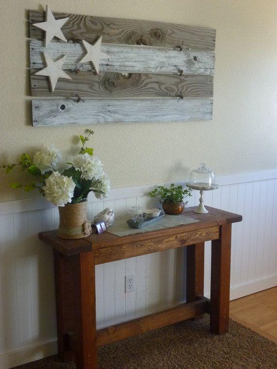 Rustic cottage pallet board