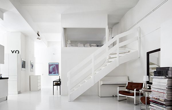 Bright Studio Apartment With Stairs For Bed