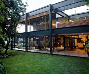 Three bedroom contemporary residence in Mexico City
