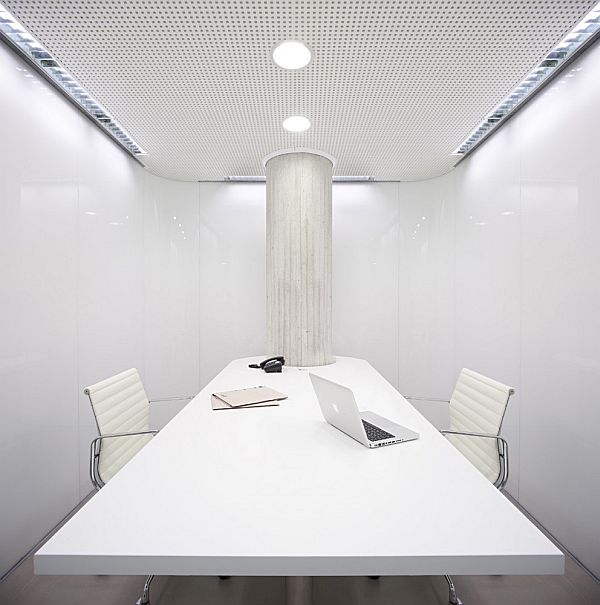 Clean white dental office interior design in spain - Estudios de arquitectura malaga ...