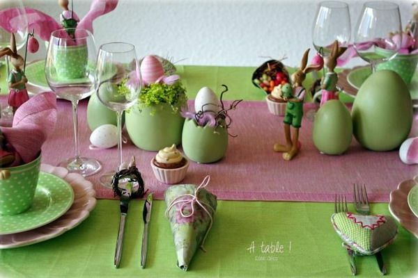 Funny rose and green easter table decoration - Deco table de paques ...