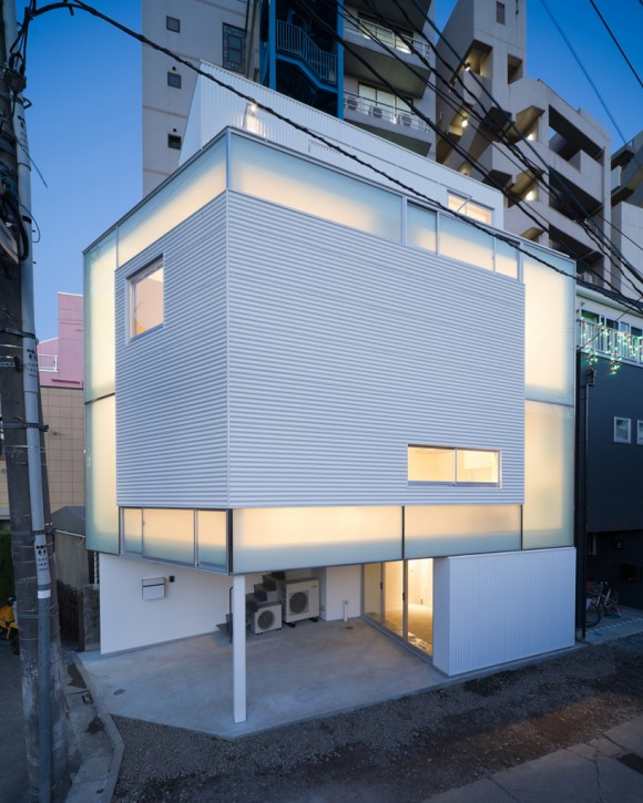 compact residence in tokyo by yoritaka hayashi architects. Black Bedroom Furniture Sets. Home Design Ideas