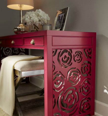 The chic Janette Rose Console