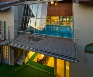 From an old barn to a modern residece with swimming pool on the first level