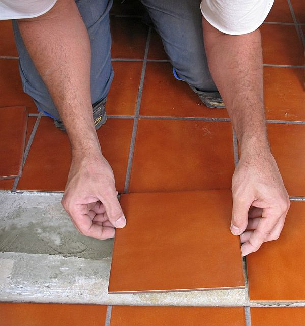how do you lay tile in a bathroom how to tile the floor by yourself 26345