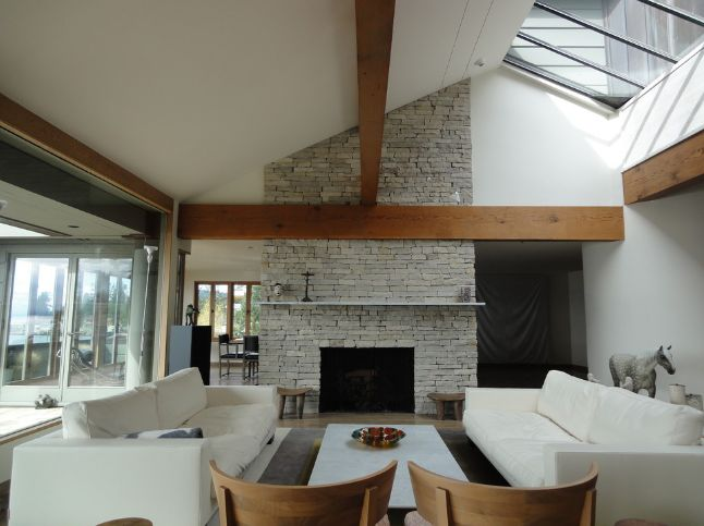 Ceiling beams are grate for high ceilings