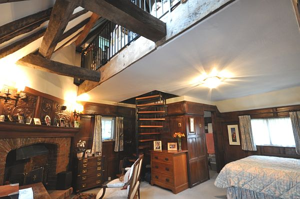 English Bedroom Interior Design