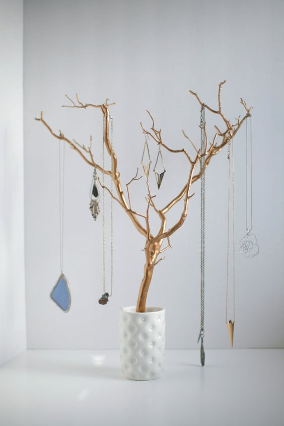 Gold branch sprayed for jewelry holder