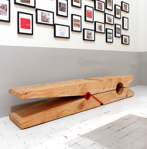 Genial Molletta Giant Clothes Pin Bench