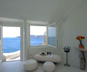 Beautiful Mystique hotel in Santorini