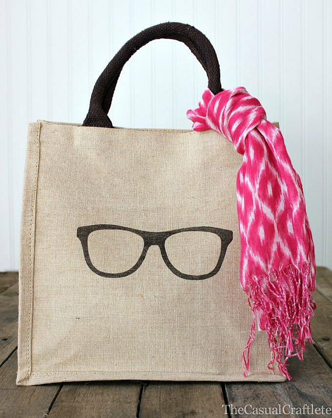 Trendy burlap tote bag diy