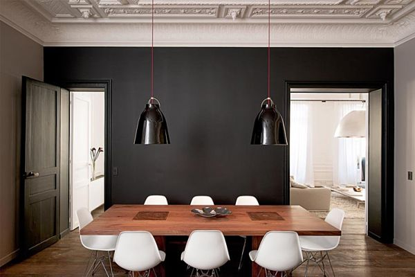 Reconstructed Apartment With A Contrasting Interior