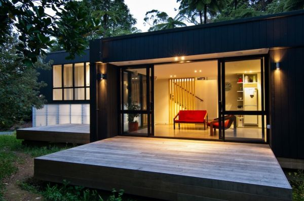 Contemporary Family Box House In New Zeeland