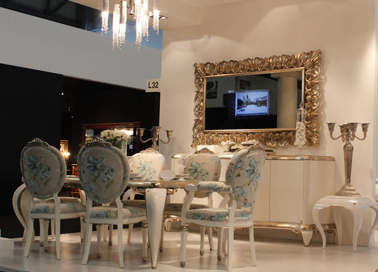 Finest Capri Mirror frame with TV unveiled at Milan Design Week XH75