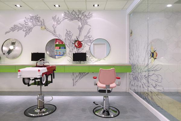 Colorful And Fresh Hair Salon For Kids