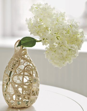 5 Quick Easy Ways To Decorate Plain Vases
